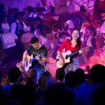 rodrigo_y_gabriela-artists_den-HIGH_RES-344