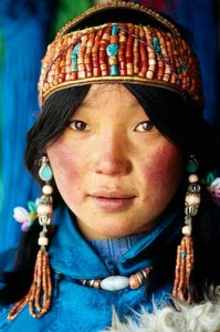 coral-headdress-tibet